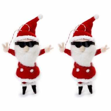2x kersthangers figuurtjes coole kerstman 12 cm